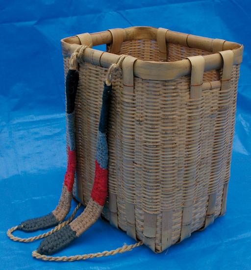竹カゴ 背負い紐付